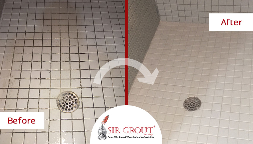 Before and After Picture of a Tile Cleaning Service in Chicago, IL