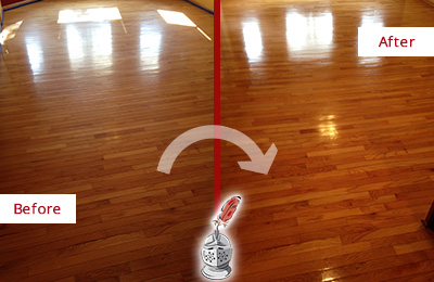 Before and After Picture of a Round Lake Beach Wood Sandless Refinishing Service on a Room Floor to Remove Scratches